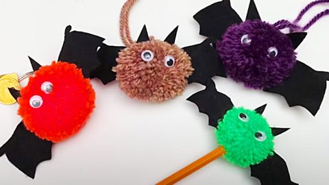 How To Make Pom-Pom Bats | DIY Joy Projects and Crafts Ideas