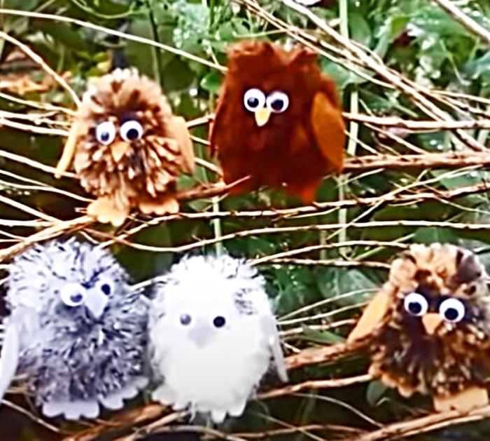 Yarn Crafted Owls - DIY Small Animals - Tree Decorations