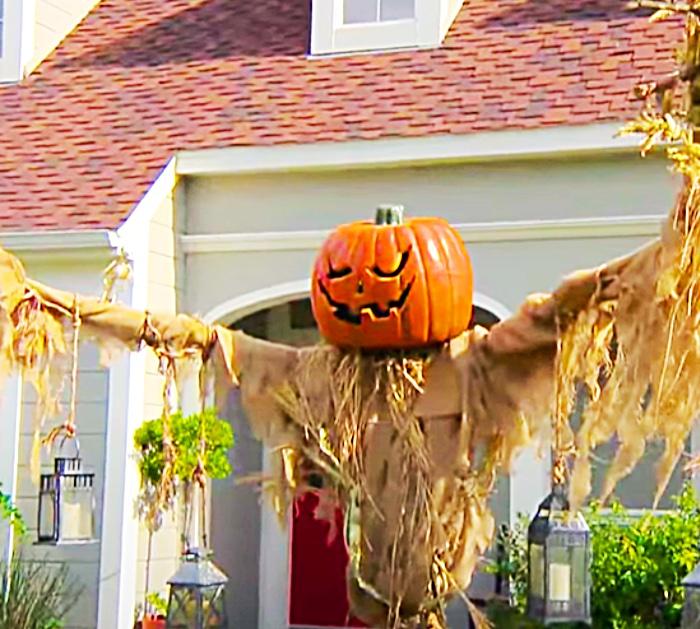 How To Make A Large Halloween Scarecrow - Halloween Decor - Fall Pumpkin Ideas