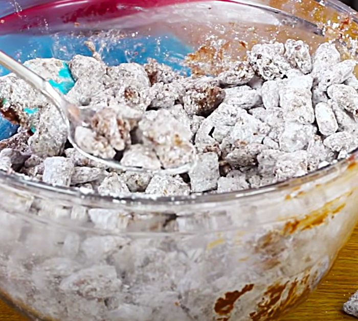 Powdered Sugar Covered Puppy Chow - Sweet And Salty Snack - Easy Christmas Candy