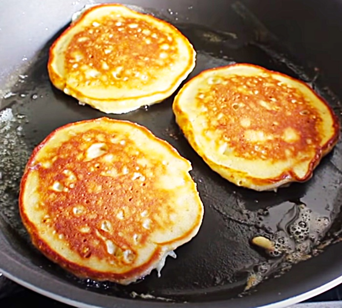 Brunch Ideas - Fancy Pancake Recipe - Banana Lovers Recipe