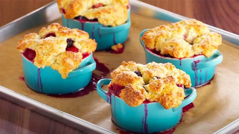 Bumbleberry Cobbler Recipe | DIY Joy Projects and Crafts Ideas