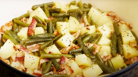 How To Make Southern Green Beans And Potatoes | DIY Joy Projects and Crafts Ideas
