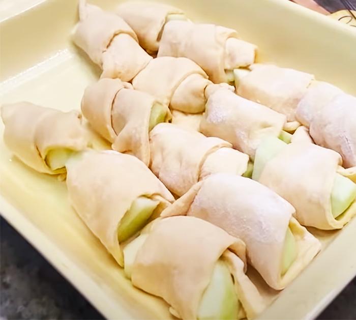 How To Make Mountain Dew Apple Cobbler - Cobbler Recipes - Paula Deen Recipes