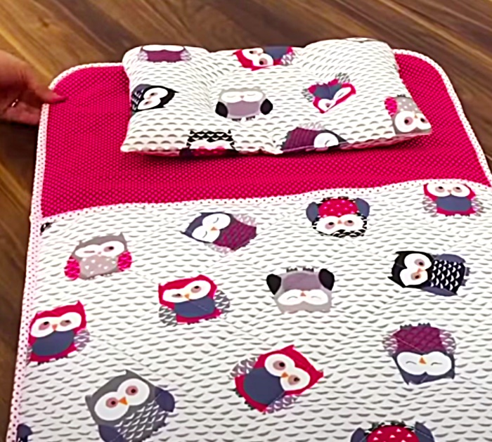 Easy Baby Blanket - Quick Sewing Project - Cheap Baby Gift Idea