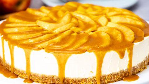 No-Bake Caramel Apple Cheesecake Recipe | DIY Joy Projects and Crafts Ideas