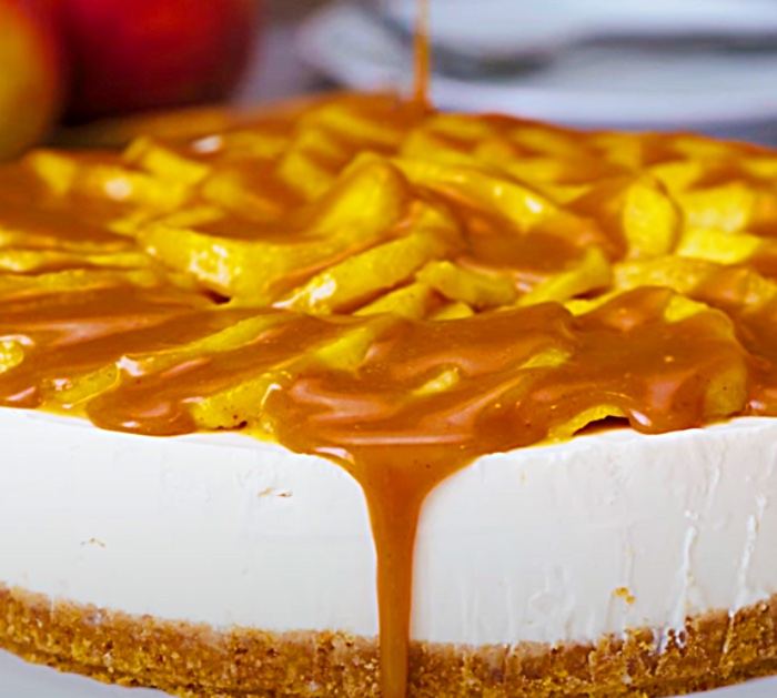 How To Make A Caramel Apple Cheesecake - Easy Cheesecake Recipe - No Bake Cheesecake Recipe