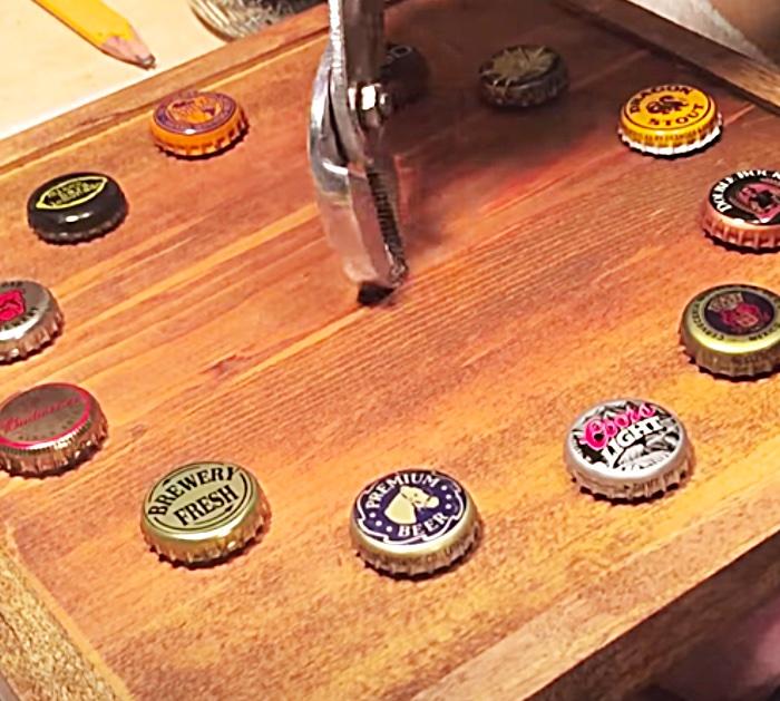 Vintage Beer Clock - DIY Beer Cap Clock - Wood Craft Ideas