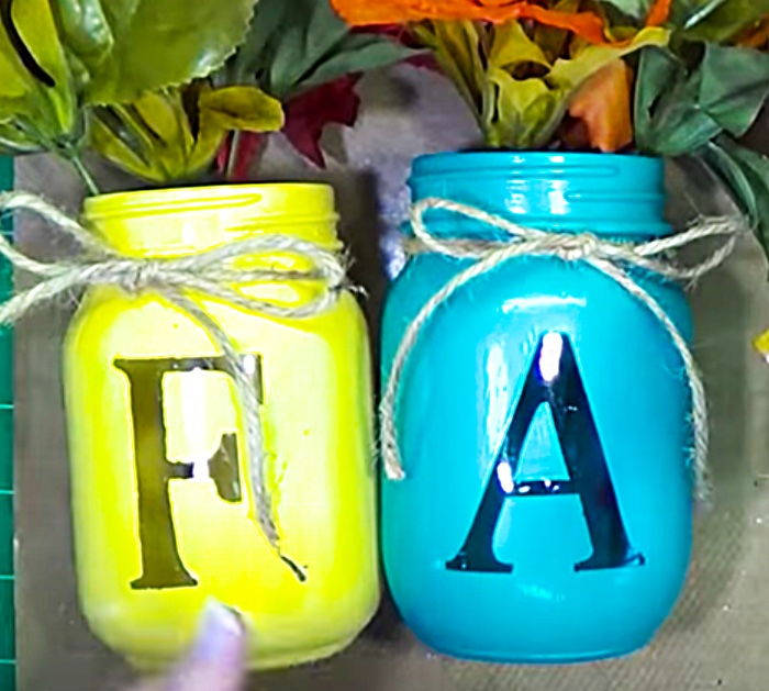 Mason Jar Craft Ideas - DIY Mason Jar Centerpiece - Fall Decor