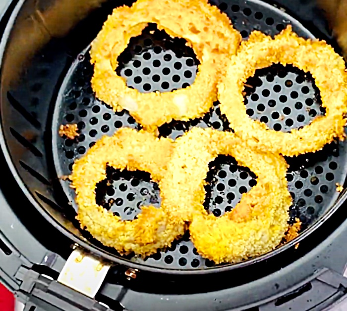 Onion Rings In An Air Fryer - How To Make air Fryer Onion Rings - Small Meal Ideas