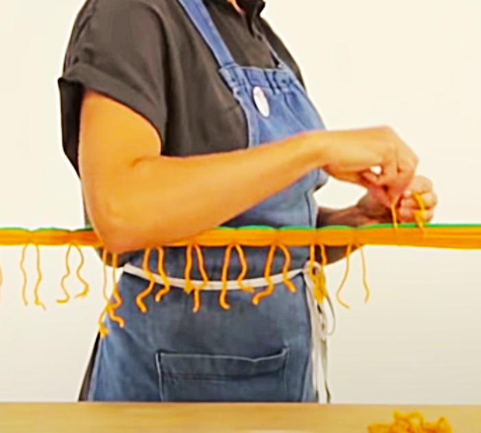 Easy DIY Pumpkin Garland - Fall DIY Decor - Dollar Tree DIY