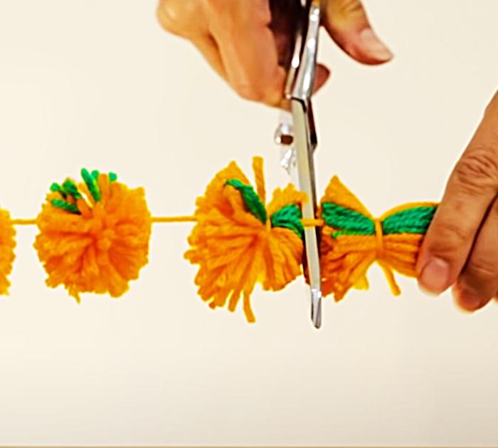 DIY Halloween Decor - DIY Thanksgiving Decor - Fall Garland Ideas