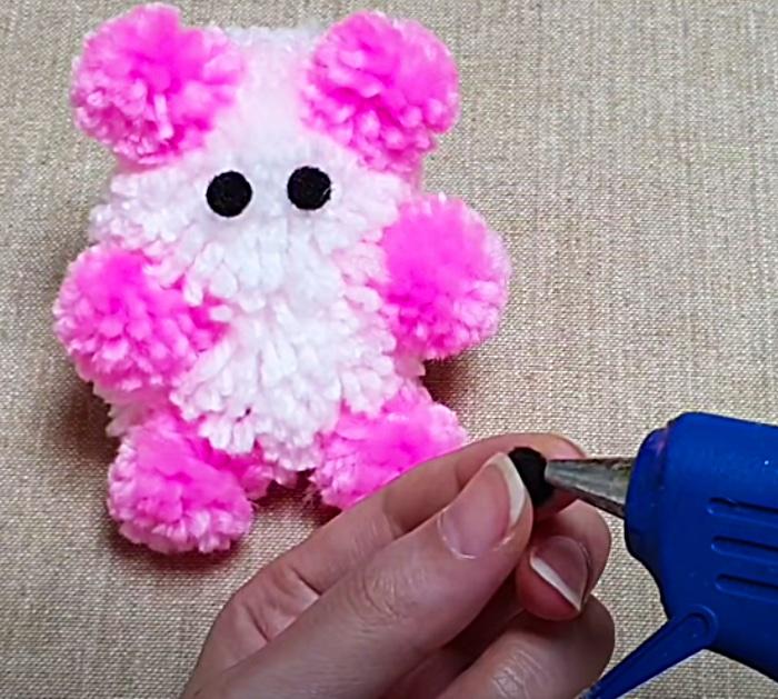 Pom Pom Ideas - DIY Yarn Teddy Bear - Easy Craft Ideas