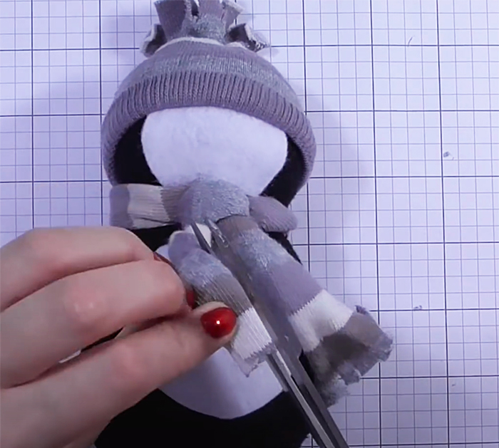 How To Make A Sock Penguin - DIY Penguin - Easy and Fun Holiday Crafts