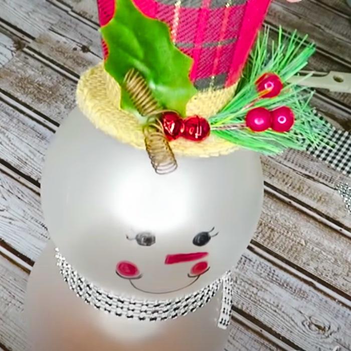 How To Make A Dollar Tree Snowman - DIY Christmas Decor - DIY Easy Decorations