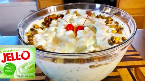 Watergate Salad Recipe | DIY Joy Projects and Crafts Ideas