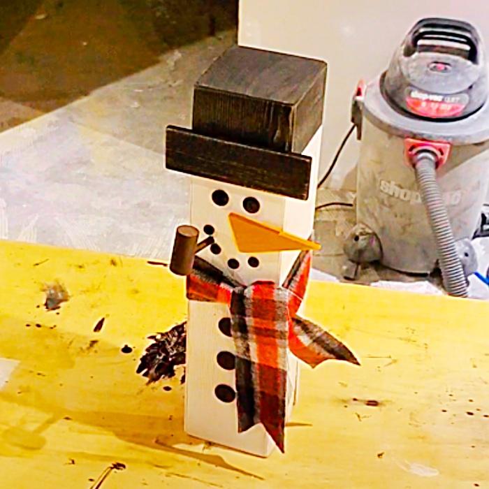 Easy Woo Snowman - Holiday Yard Decor - Porch Decor