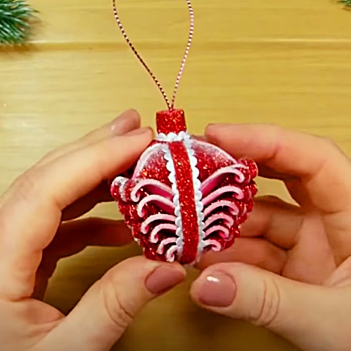 DIY Holiday Decor - How To Make Christmas Ornaments - Easy Christmas Crafts