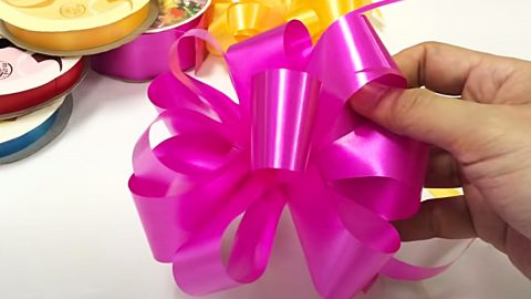 How To Make Small Gift Bows | DIY Joy Projects and Crafts Ideas