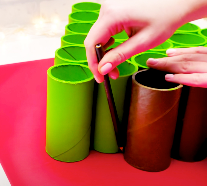 Use Toilet Paper Rolls To Make Advent Calendar - Quarantine Projects - Toilet Paper Projects