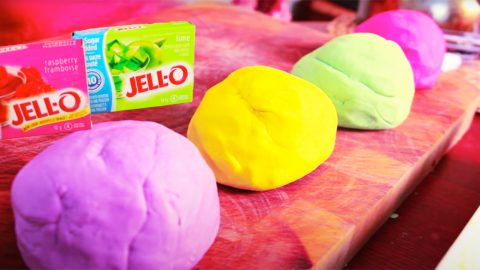 How To Make Playdoh With Jello | DIY Joy Projects and Crafts Ideas