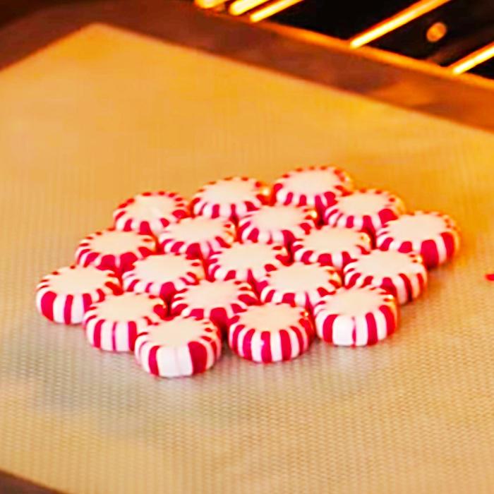DIY Candy Bowls - DIY Peppermint Bowls - Dollar Tree DIY Candy Ideas