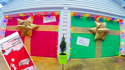 Garage Door Christmas Gift Decor Idea | DIY Joy Projects and Crafts Ideas