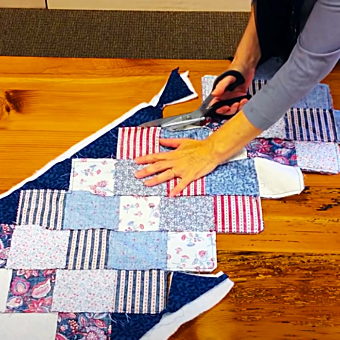 Easy Quilting Ideas - How To Make A Quilted Table Runner - Free Quilting Pattern