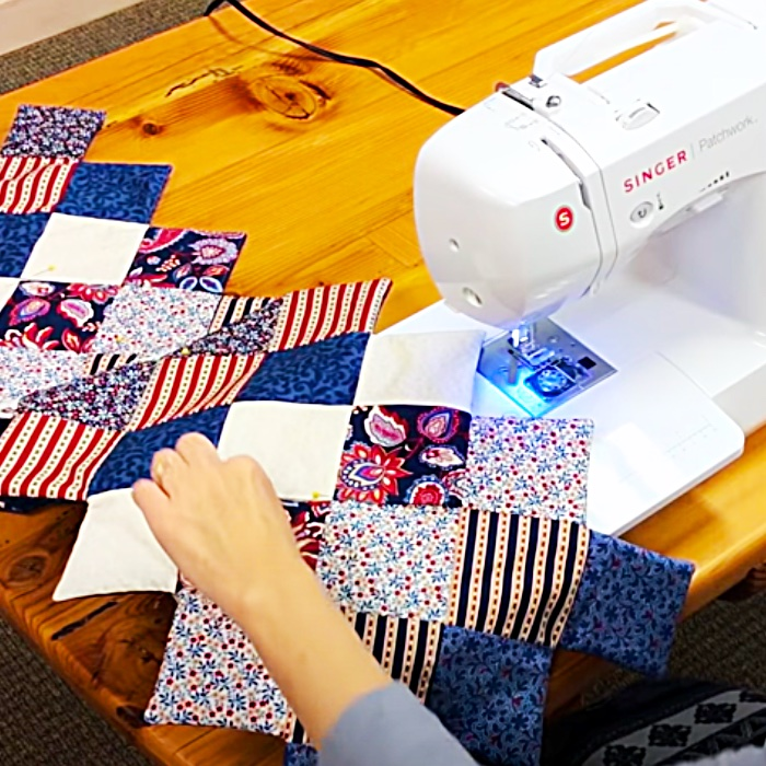 Quilt Square Table runner - Simple Sewing Projects - Free Sewing Patterns