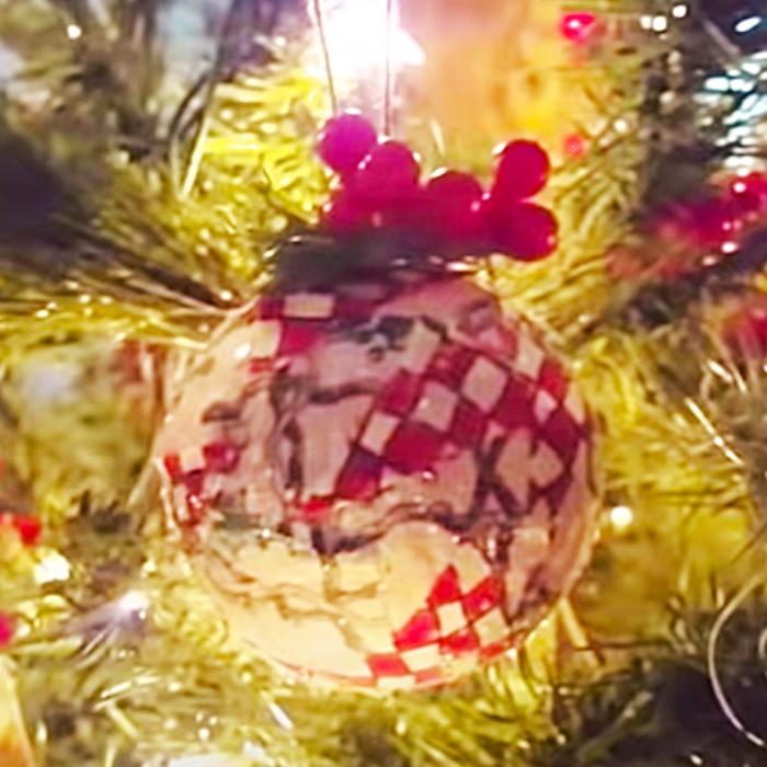 How To Make Fabric Mosaic Ornaments - DIY Ornament Ideas - DIY Christmas Decor