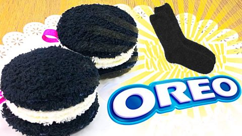 How To Make A No-Sew Oreo Plushie | DIY Joy Projects and Crafts Ideas