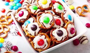 White Chocolate M&M Pretzel Bites Recipe