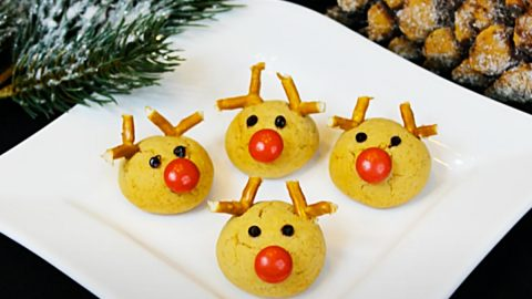 Rudolf The Red-Nosed Reindeer Cookie Recipe | DIY Joy Projects and Crafts Ideas