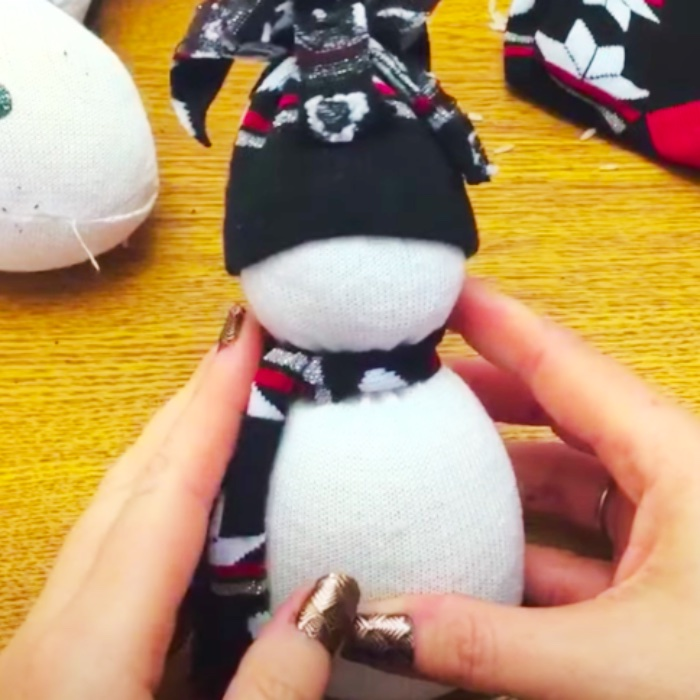 How To make a Scented Snowman - Easy Sock Snowman - DIY Christmas Decor