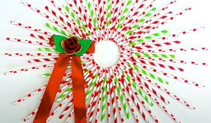 How To Make A Straw Christmas Wreath