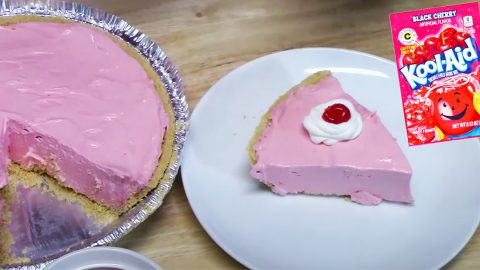 4-Ingredient Kool-Aid Vintage Pie Recipe | DIY Joy Projects and Crafts Ideas
