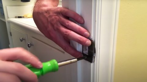 How To Fix A Door That Won't Latch | DIY Joy Projects and Crafts Ideas