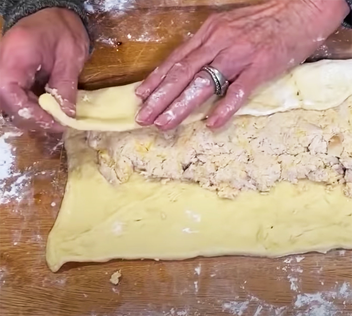 Buffalo chicken pinwheels recipes - canned crescent rolls recipe - easy appetizer recipes