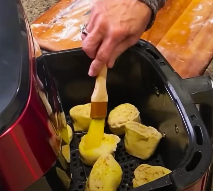 How to make air fryer buffalo chicken pinwheels - pinwheels recipes