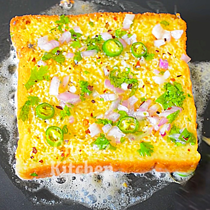 Easy Breakfast Ideas - Spicy French Toast Recipe - How To Make A Bread Omelette