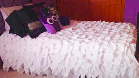 How To Make A Ruffled Bedspread From Flat Sheets | DIY Joy Projects and Crafts Ideas