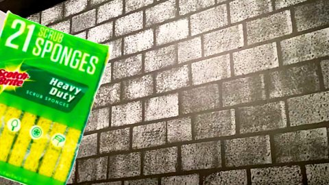 How To Paint A Faux Brick Wall Using Kitchen Sponges | DIY Joy Projects and Crafts Ideas