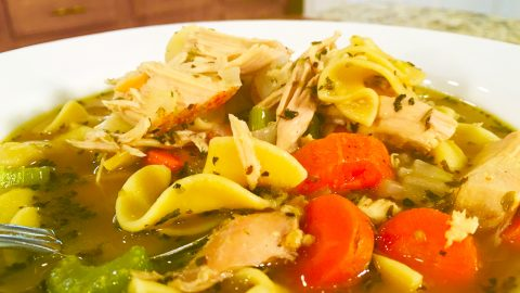 Lazy Man's Chicken Noodle Soup Recipe | DIY Joy Projects and Crafts Ideas
