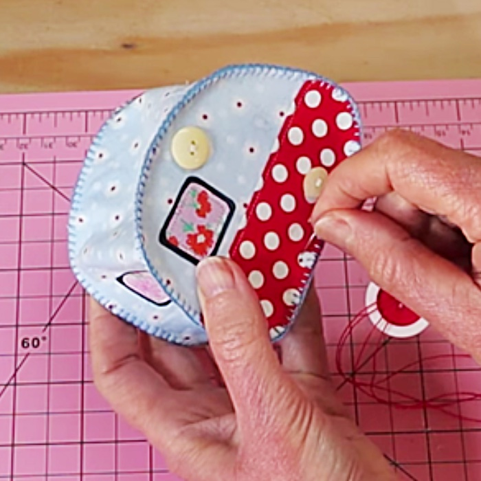 How To Make A Mini Quilted Camper - Easy Pincushion Idea - Easy Sewing Idea