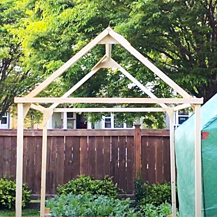 Small Affordable Greenhouse - Easy Way To Build A Greenhouse - Outdoor Project Ideas