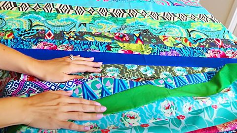 Beginner's Jelly Roll Quilt   DIY Joy Projects and Crafts Ideas