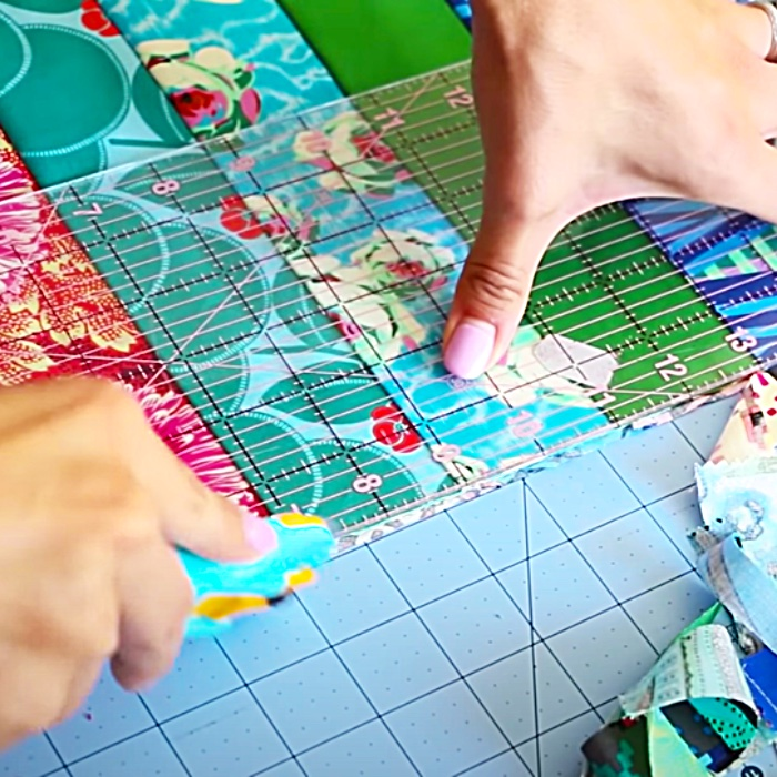 How To Sew A Jelly Roll Quilt - Beginners Quilt Pattern - Free Quilt Pattern