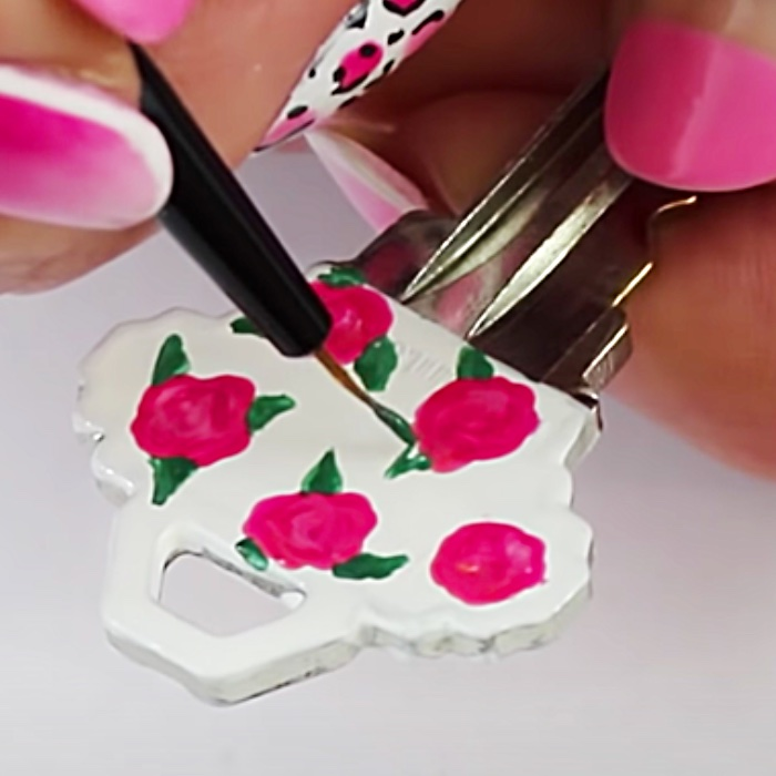 How To Paint Keys With Nail Polish - Easy Key Painting Ideas - Nail Polish DIY