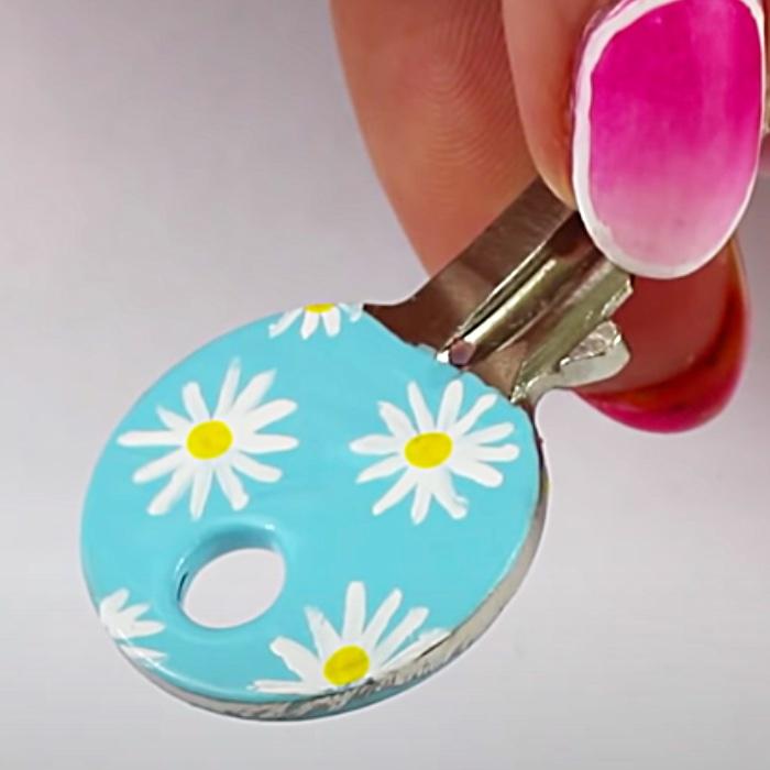 DIY Nail Polish Ideas - How To Paint Keys With Nail Polish - Ideas For Keys