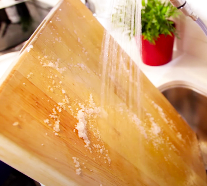 How To Deep Clean a cutting. board - how to deodorize a cutting board - wooden cutting board cleaning tips